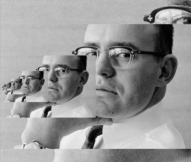 Hombre replicante por ordenador